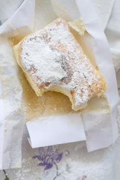 Receta de cuarto mallorquín, un bizcocho apto para celíacos, suave y delicado. Con fotografias y consejos de elaboración y degustación. Recetas de dulces. Recetas de bizcochos.