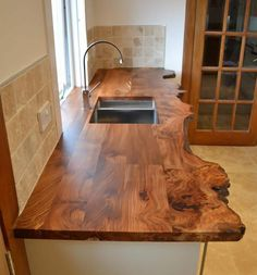 Things to Consider when Buying a Kitchen Worktop Wooden Kitchen, Rustic Kitchen, Kitchen Decor, Diy Kitchen, Diy Furniture Plans, Wood Furniture, Industrial Furniture, Furniture Design, Wood Table Design