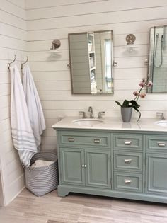 Totally transformed: update of an old bathroom vanityRomantic country farmhouse bathroom vanity makeover. Turn an old-fashioned vanity into a show stopper with a few DIY tips. Rustic Master Bathroom, Diy Bathroom, Modern Farmhouse Bathroom, Bathroom Renos, Bathroom Renovations, Small Bathroom, Home Remodeling, Bathroom Ideas, Bathroom Designs