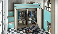 Armario con cama elevada e escaleiras con contenedor.