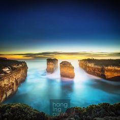 Last stop on our 16hours journey which started at 4AM. The arch at 12 Apostles Coastal Reserve. The sunset in front while the back is lit by a full moon just rising (you can see the shadows on the cliff face. Today we witness 1 sunrise and sunset 1 moonrise and moonset. Lee filters help with slowing down the movement with extra long exposure of 120 seconds. I actually prefer the colour of Lee filters. Reversed Graduated Neutral Density help bring the exposure closer together it also help…