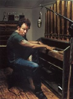 Tom Waits + Organ = awesome
