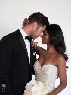 Funny Wedding Photos, Vintage Wedding Photos, Vintage Weddings, Bridal Pictures, Mixed Couples, Couples In Love, Interracial Marriage, Interracial Family, Interracial Wedding Ideas