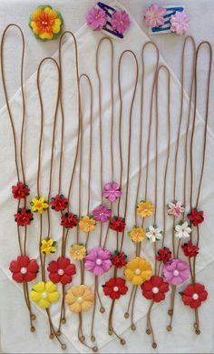 Colares com flores em E.V.A.