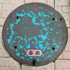 """72 Likes, 2 Comments - かなぶん5号 (@kanaick31) on Instagram: """"#マンホール #蓋 #名古屋 #日本 #manhole #nagoya #japan #road #street #streetphotography #all_shoots…"""""""