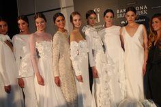 Backstage de Juana Martín en Barcelona Bridal Week 2014 #Moda nupcial #Vestidos de novia #Novia #Bride #Bridal #WeddingDresses www.barcelonabrid...