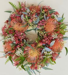 Christmas Wreath by Native Bunch - Pincushions, Christmas bush, Leucadendron cones, Berzelia and Waxflower African Christmas, Aussie Christmas, Australian Christmas, Real Christmas Tree, Outdoor Christmas, Christmas Tree Decorations, Christmas Crafts, Christmas 2019, Autumn Wreaths