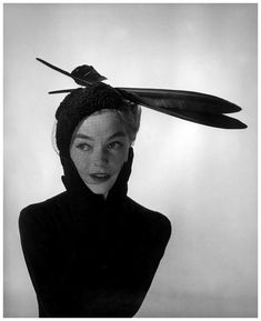 lia-is-wearing-veiled-astrakan-hat-with-two-large-feathers-by-jacques-fath-photo-by-georges-dambier-arachnc3a9e-september-1952.jpg 846×1,039ピクセル