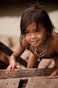 Moi Dans mon Amazonie j'ai pas internet...mais j'ai l'air net, la joie de vivre, l'amour des autres et le plaisir d'évoluer dans une luxuriante nature dont même pas vous pouvez évaluer la diversité et la richesse...Et oui...je suis heureuse et j'en ai l'air...