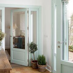 10 ideas para pintar tus puertas con color Pretty Room, Coastal Homes, Exterior Doors, Home Staging, Home Decor Inspiration, French Doors, Colorful Interiors, Ideas Para, Modern Farmhouse