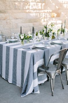 The Expert's Guide to Wedding Linens | La Tavola | Bridal Musings Wedding Blog
