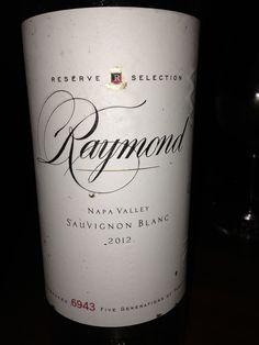 Raymond Reserve 2012, esta bueno el vino este de California. Se parece al Viña Esmeralda