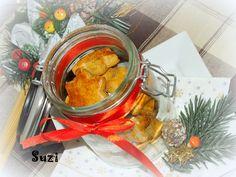 Design by Suzi: Medovníčky od babičky Meat, Chicken, Baking, Food, Design, Bakken, Essen, Meals, Backen