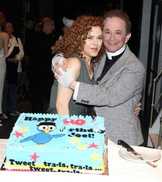 Bernadette Peters surprised Joel Grey on his birthday with a cake backstage at 'Anything Goes' at the Stephen Sondheim Theatre in New York City on April Joel Grey, Bernadette Peters, 80th Birthday, Theatre, Musicals, Broadway, Frozen, Germany, Singer