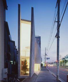 変則的な土地を生かした建築が好き。