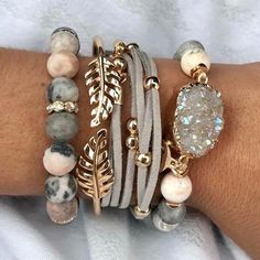 When your client sends you her stunning stack of the day Angie Glu Swoonworthy. When your client sends you her stunning stack of the day Angie Glu,Selber machen Swoonworthy. When your client sends. Fall Jewelry, Cute Jewelry, Boho Jewelry, Jewelry Crafts, Beaded Jewelry, Jewelery, Jewelry Accessories, Jewelry Design, Women Jewelry