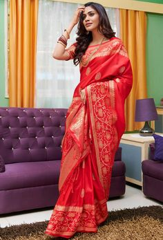 Grab This Pretty Silk Based Saree In Red Color Paired With Red Colored Blouse. This Saree And Blouse Are Fabricated On Soft Silk Beautified With Weave All Over. Buy This Saree Now. Red Saree, Saree Dress, Wedding Silk Saree, Bridal Sarees, Wedding Dress, Saree Shopping, Soft Silk Sarees, Silk Sarees Online, Traditional Sarees