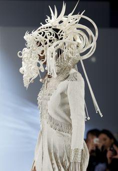 Экстравагантный 3D печатный головной убор от Джошуа Харкера
