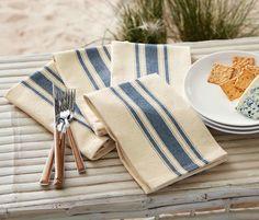 Perfect for your farmhouse table – set of 4 grainsack dinner napkins. 100% cotton. Dimensions: 18″ square Follow me