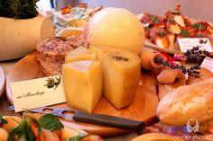 21. Pink Wedding,Buffet,Cheese board / Różowe wesele,Bufet,Deska serów,Anioły Przyjęć