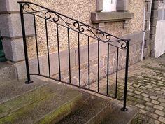Garde-corps, grilles, clôtures en fer forgé