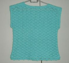 """Lady's 36"""" lacy summer top ref 470 £15.00"""