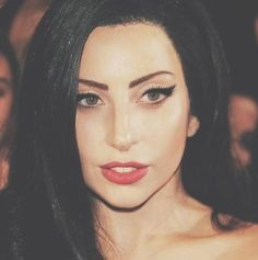 What's happening! Why does Lady gaga look normal? :0