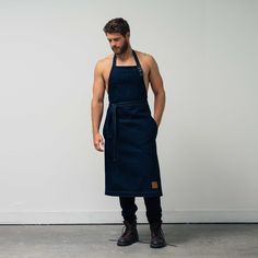 The WSw Utility Apron is designed for the back yard cook out, but suitable for all forms of handy work. Two front pockets, tie waist and adjustable halter neck with horn buttons ensure the WSw Utility Apron is the perfect battle armour for household chores. The WSw Utility Apron is the definition of a winter essential.