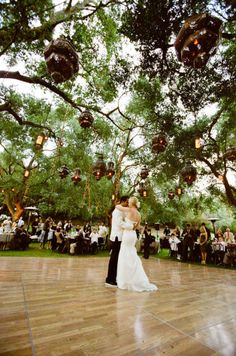 i want to have an outdoor wedding so bad!!!