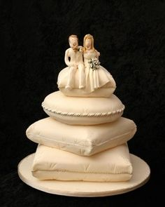 pillow wedding cake 1000 images about pillow cake on pillow cakes 18514