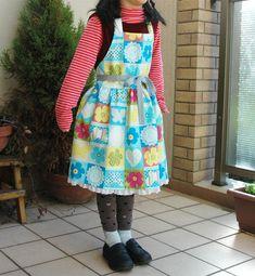 子供用エプロンc ギャザー・裏地なし 作り方 入園入学グッズ・無料レシピ集 Lovecraft is Free Kids Sewing Kids Apron, Love Craft, Sewing, Crafts, Child, Fashion, Pinafore Dress, Aprons, Dressmaking