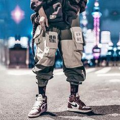 Amyhry Fashion StreetWear: an exclusive selection of Women's and Men's StreetWear, Shoes, Accessories. Pantalon Streetwear, Mode Streetwear, Streetwear Fashion, Grunge Look, Grunge Style, Zapatillas Nike Air Force, Maroon Vans, Burgundy Shoes, Cargo Pants Men