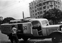 Caminhão de entrega de Leite Vigor - ( 1930)Sao Paulo, Brazil