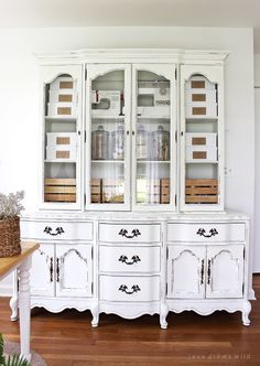 How to Spray Paint an Outdated Hutch with Chalk Paint - Office Storage Hutch Makeover - Old hutches and china cabinets make great office storage - via Love Grows Wild Hutch Makeover, Office Makeover, Furniture Makeover, Paint Furniture, Office Furniture, Office Decor, Furniture Design, Furniture Storage, Space Furniture