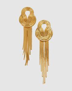 Lara bohinc Women - Jewelry - Earrings Lara bohinc on YOOX Gold Wedding Jewelry, Gold Jewelry, Jewelery, Jewelry Accessories, Women Jewelry, Jewelry Design, Gold Jhumka Earrings, Chain Earrings, Bridal Earrings