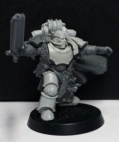Gunnar Gunnhilt, Wolf Lord and Captain of the VIth Legion. He would later sacrifice himself and his ship for the good of his legion, while trying to escape from the betrayal of the XXth legion. Warhammer 40k Space Wolves, Warhammer 40k Figures, Warhammer Models, Warhammer 40k Miniatures, Warhammer 40000, The Horus Heresy, Necron, Minis, Imperial Fist