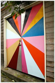 colorful graphic door >> a different kind of door, still lovely!