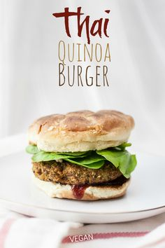 Thai Quinoa Burgers: produce on parade an easy Thai-influenced vegan veggie burger that stays together, bakes up nice and crispy, and packs a big protein punch. Vegan Veggie Burger, Quinoa Burgers, Vegan Burgers, Turkey Burgers, Veggie Recipes, Vegetarian Recipes, Cooking Recipes, Healthy Recipes, Gastronomia