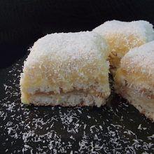prajitura cu nuca de cocos Vanilla Cake, Food And Drink, Sugar, Desserts, Drinks, Kitchen, Pies, Recipes, Tailgate Desserts