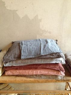 Linen bedding from Larusi