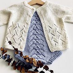 First Bloom pattern by Benja Kirk – Knitting patterns, knitting designs, knitting for beginners. Knitting Terms, Spool Knitting, Knitting For Charity, Baby Knitting, Crochet Baby, Western Chic, Raglan Pullover, Ravelry, Big Knit Blanket