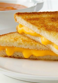 America's Favorite Grilled Cheese Sandwich – This lunchtime favorite is the easiest and most delicious—with nothing but bread, butter, and cheese, grilled to golden perfection!