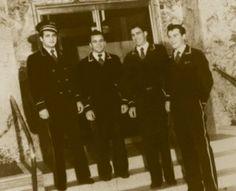 Les valets comme le Garçon auraient porté les uniformes traditionnels comme celui-là.