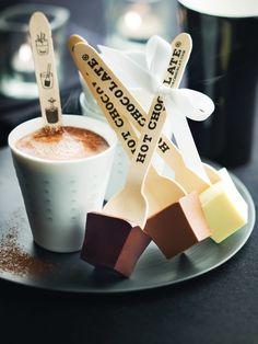 Hot chocolate for winter wedding