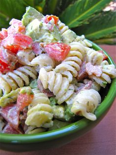 Creamy Bacon, Tomato, and Avocado Pasta Salad... Sounds like a great summer dinner!