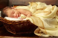 Yeah baby sleep tips is also what I want! Check the best practices in our full article! Very Cute Baby Images, Beautiful Baby Images, Baby Images Hd, Sweet Baby Photos, Baby Pictures, Cute Baby Clothes, Baby Clothes Shops, Baby Photo Gallery, Pregnancy Months