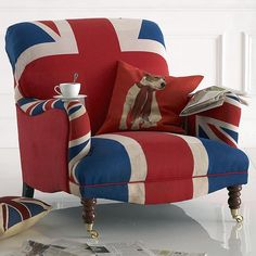 30 Patriotic Decoration Ideas, Union Jack Themed Decor in Blue Red White- don't know if my room is big enough for a chair though British Decor, British Home, Union Jack Decor, Patriotic Decorations, Take A Seat, My New Room, Red White Blue, Diy Home Decor, Upholstery