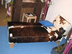 Recamiere covered with 'a cow' Work Chair, Sofas, Cow, Ottoman, Upholstery, Armchair, Furniture, Home Decor, Lounge Chairs