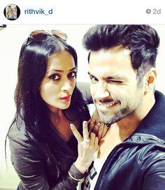 That wink Tho! #RithvikDhanjani with the gorgeous #JasveerKaur