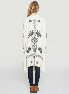 Back Detail: Johnny Was Biya Embroidered Sheera Wrap in Ivory #bohochic #grey #decorative #embroidery